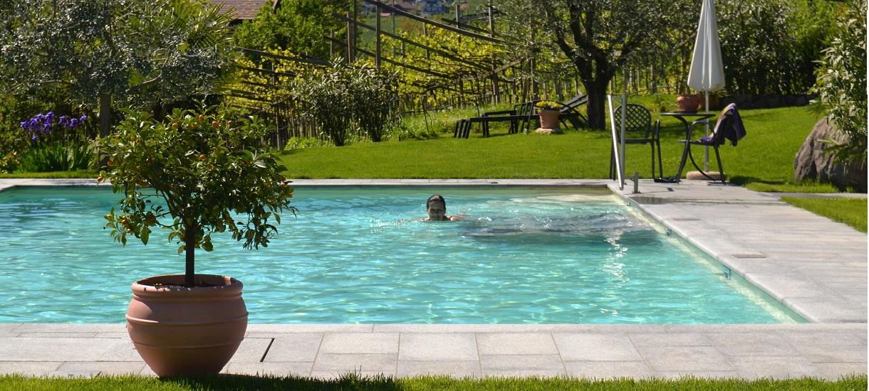 schwimmbad mit salzwasser schwimmbad mit salzwasser obr zek za zen berghotel bauernhof mit. Black Bedroom Furniture Sets. Home Design Ideas